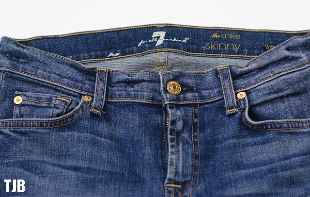 7-for-all-mankind-the-skinny-frayed-hem-jeans-button