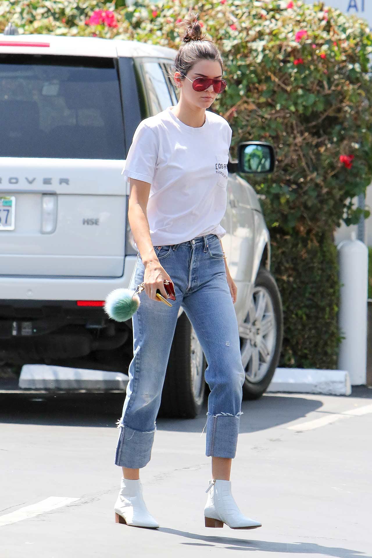 kendall-jenner-vintage-levis-mom-jeans