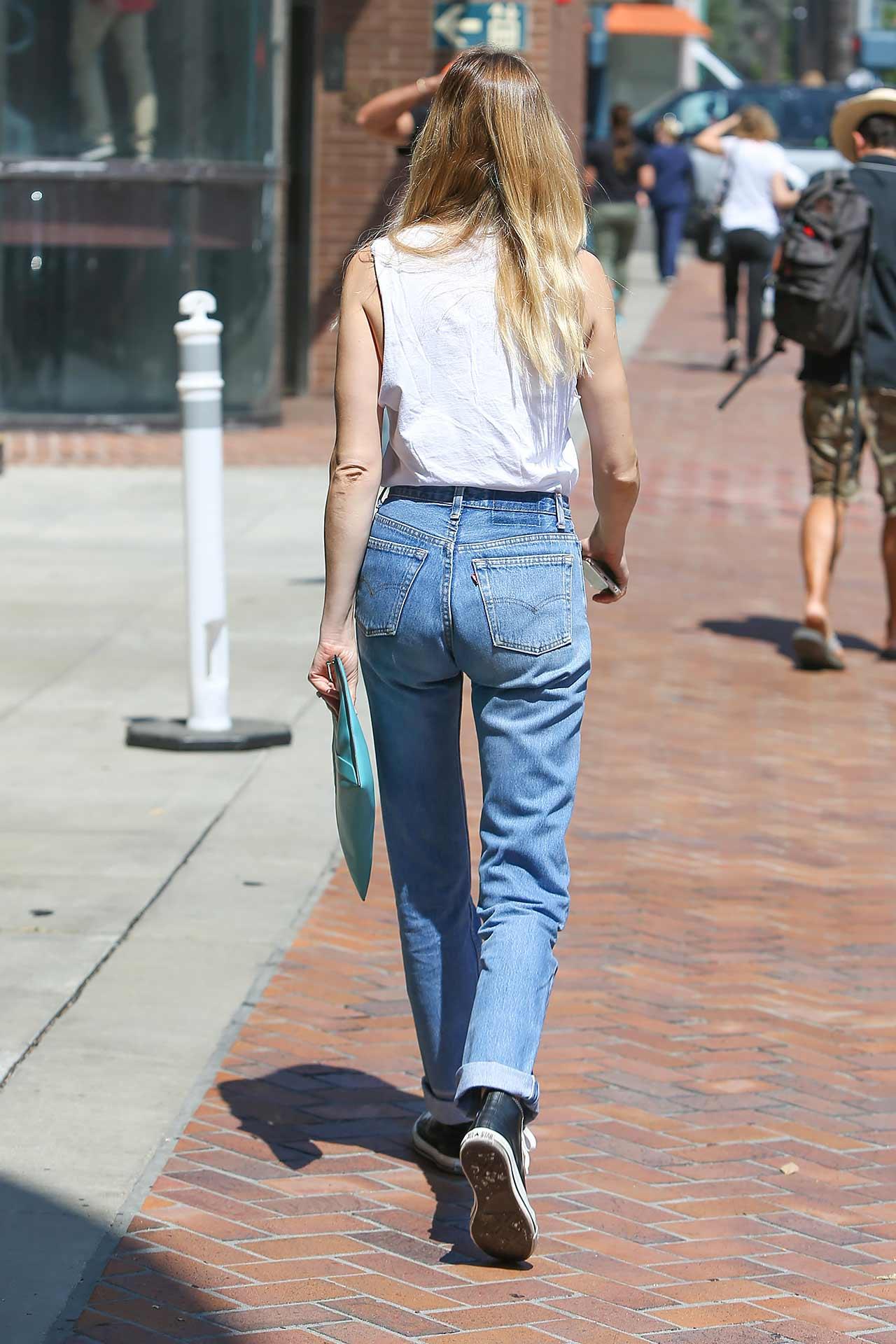 whitney-port-levis-vintage-jeans