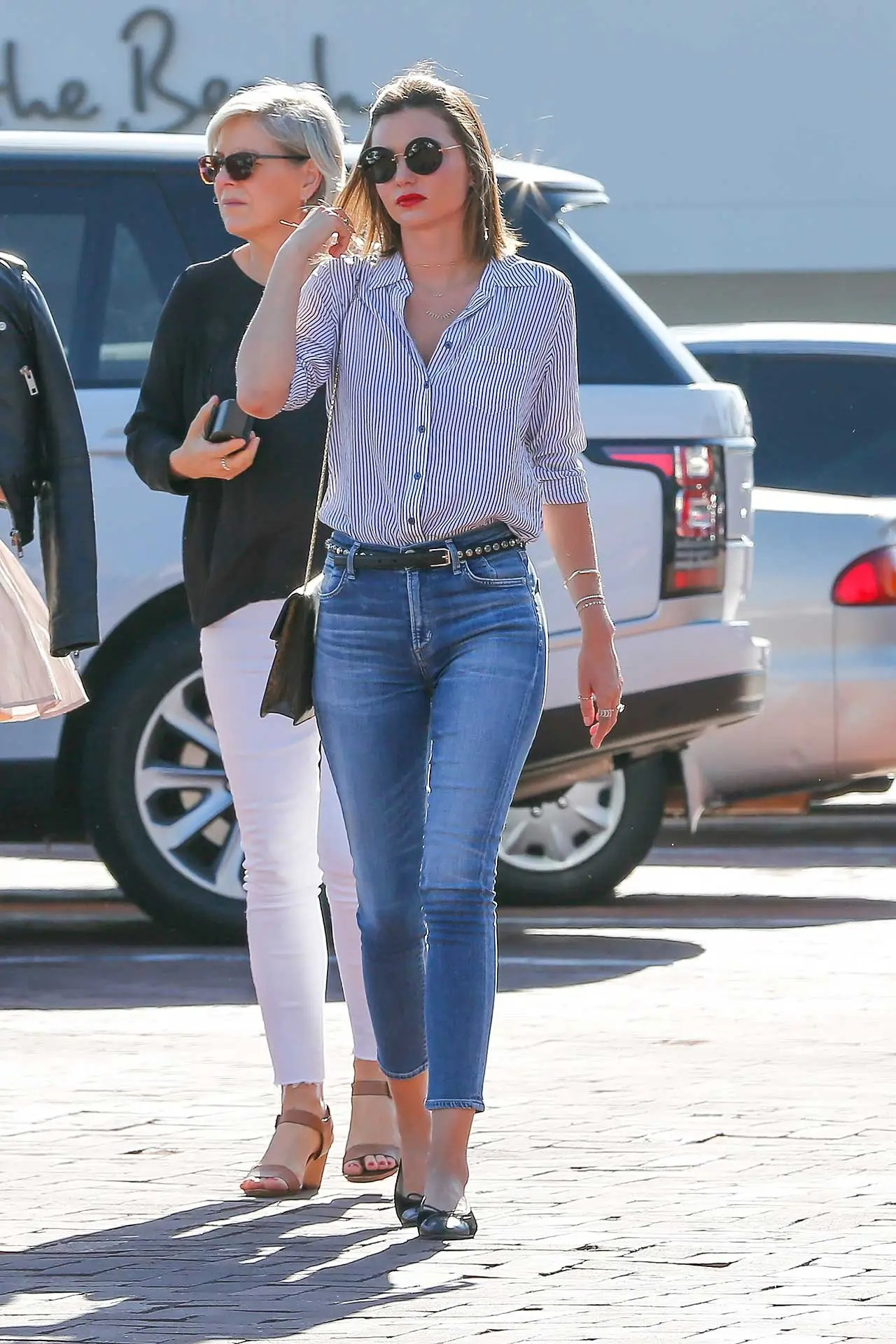 miranda-kerr-wears-citizens-of-humanity-carlie-crop-jeans