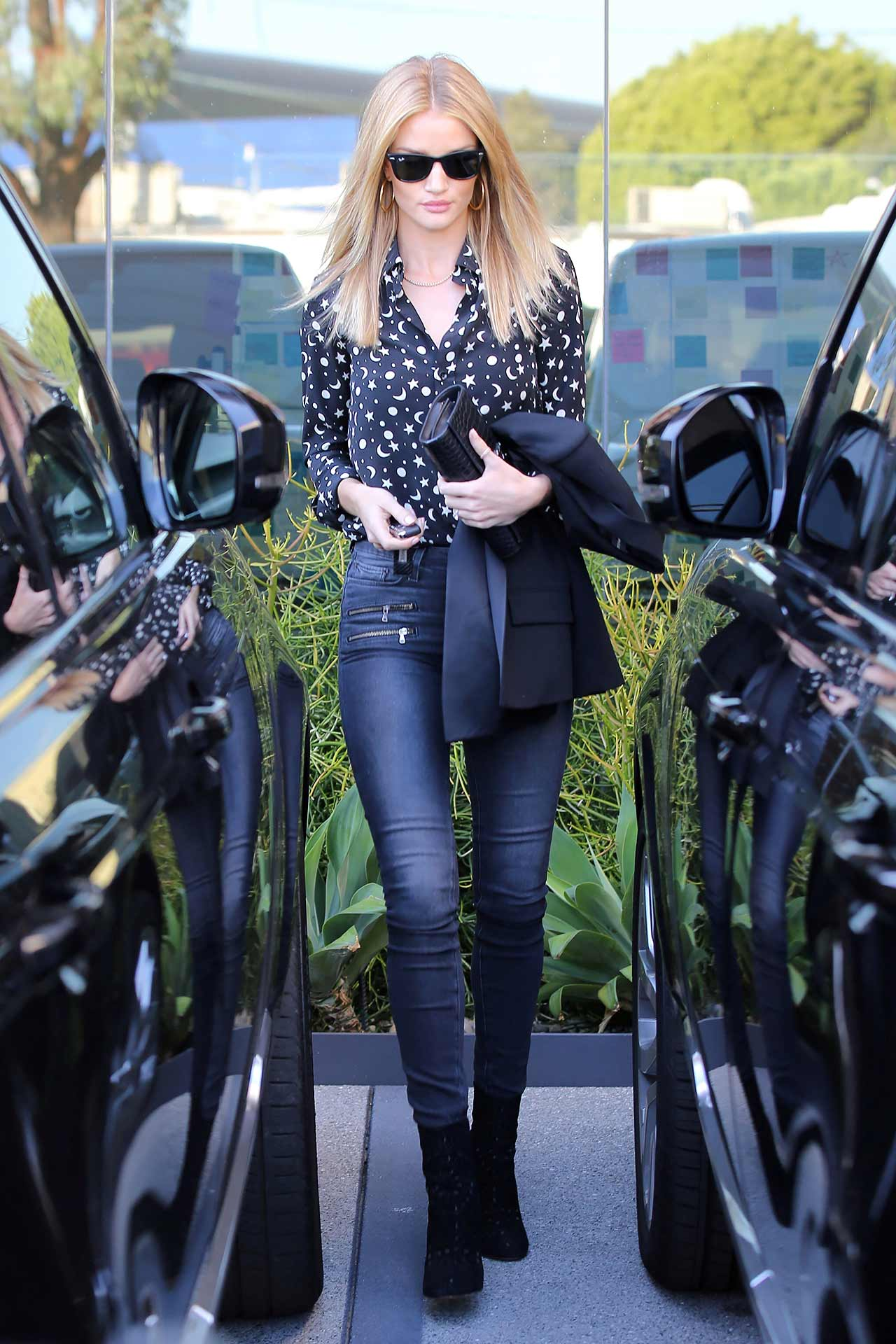rosie-huntington-whiteley-paige-jeans-2