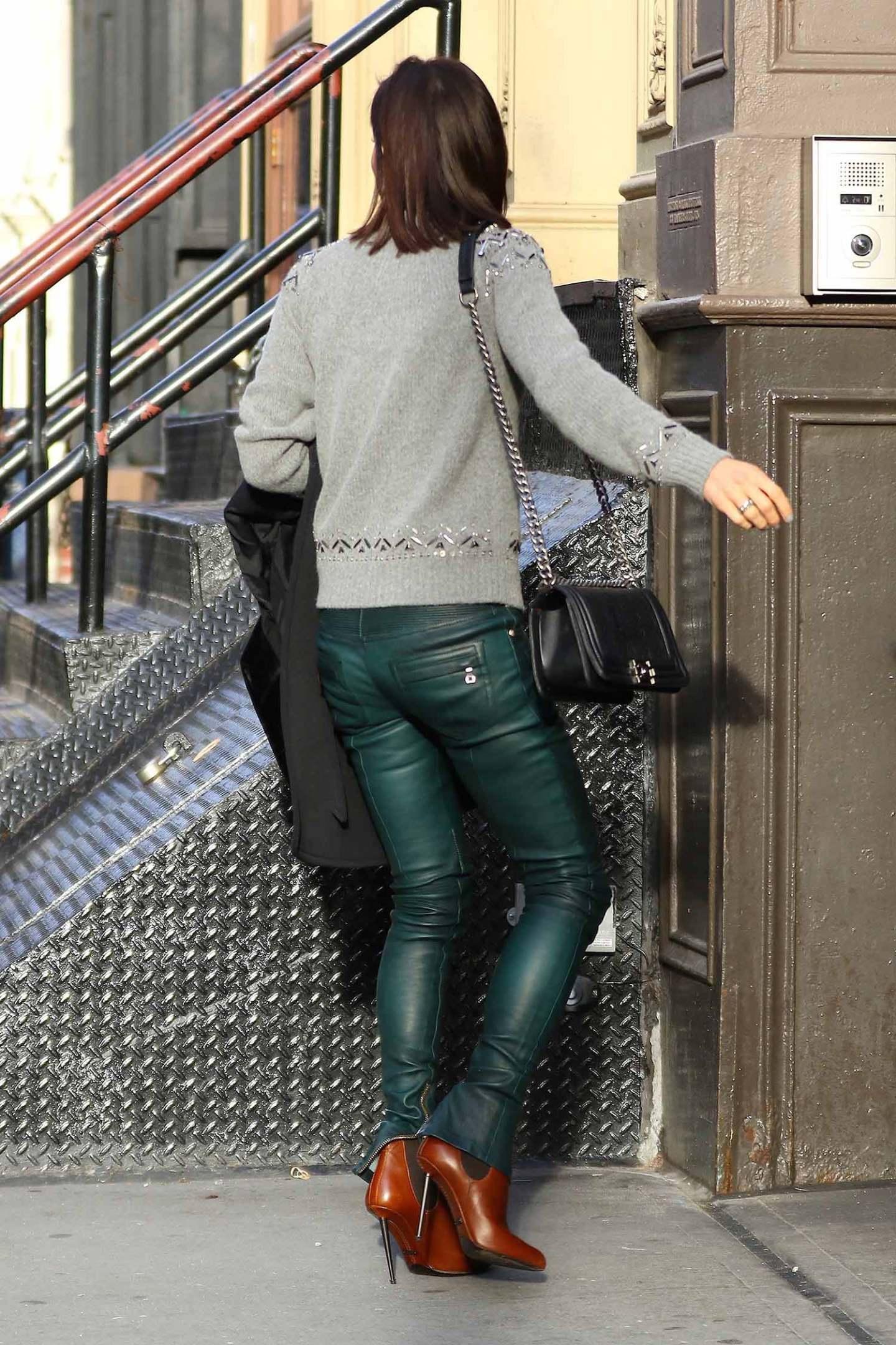 bethenny-frankel-balmain-leather-pants-green