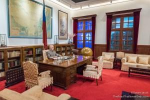 Mockup of Chiang Kai-Shek in the museum inside Memorial Hall