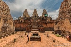 Prae Roup Temple