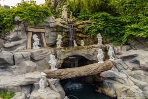 Snow White's Grotto