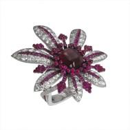 la-divine-or-gris-diamants-et-rubis
