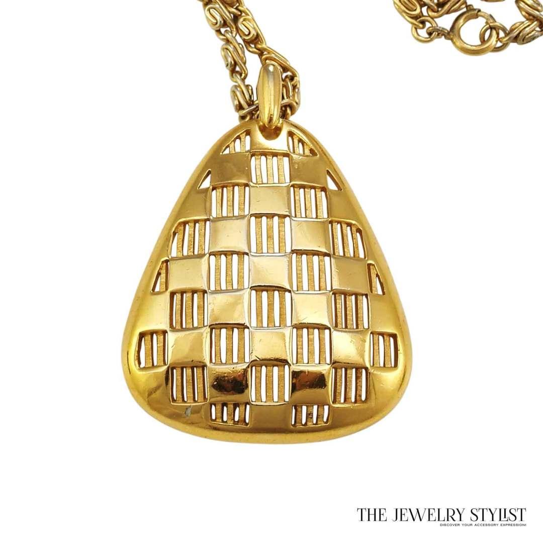 Fabulous Vintage 1970s Trifari Pendant Necklace Close-up