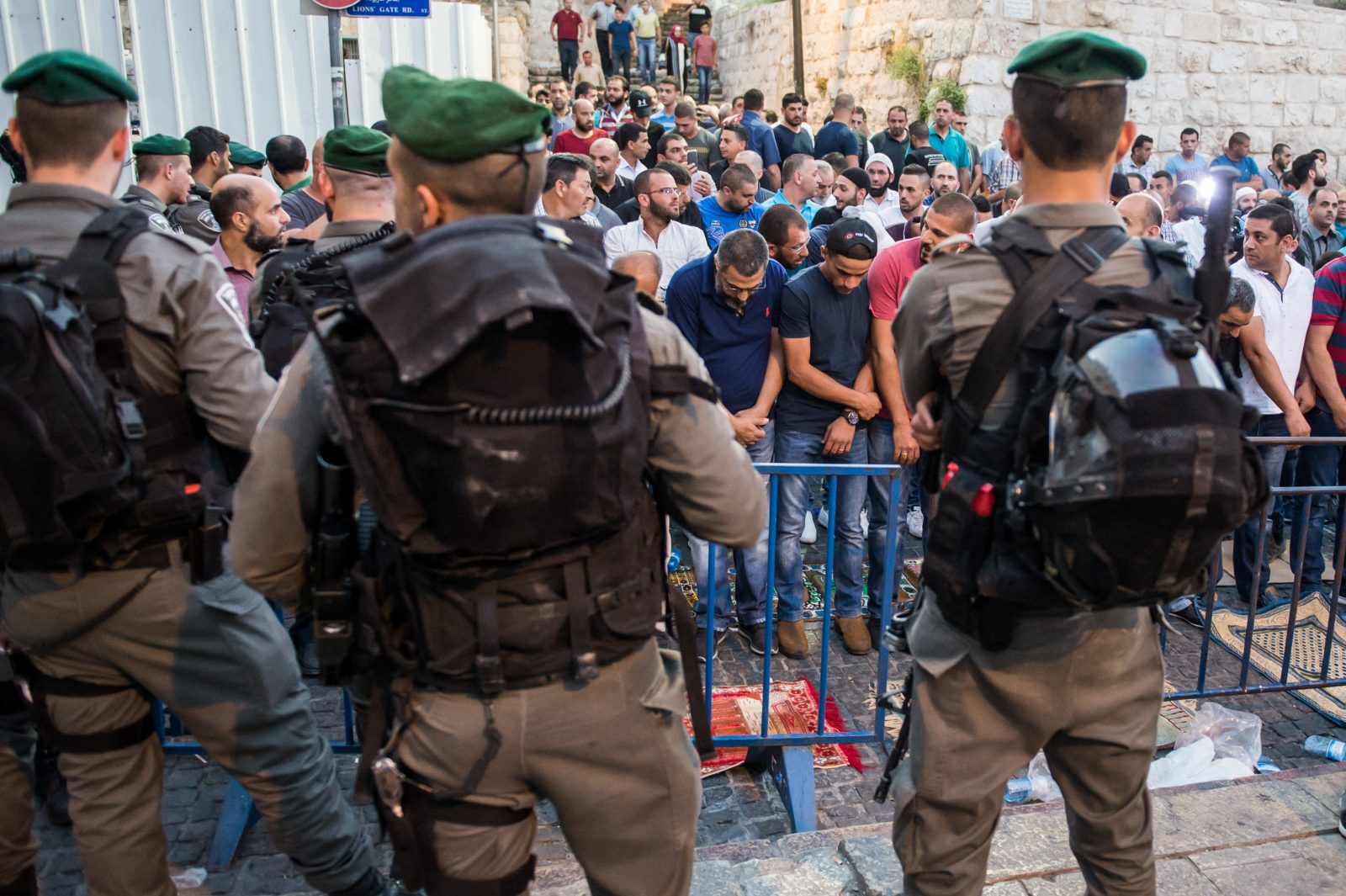 Breaking News Clashes Resume As Palestinians Return To Temple