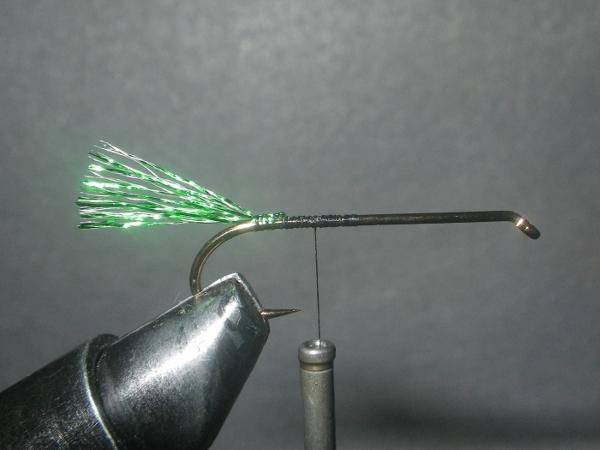 tinsel mackerel fly tying tail