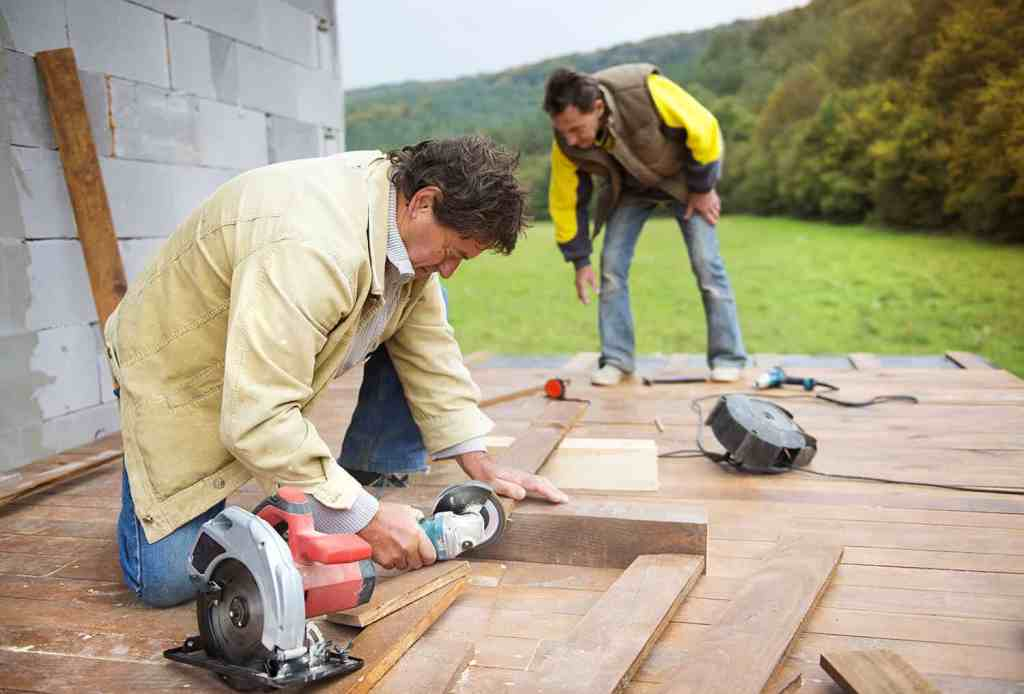 Can i use an angle grinder to cut wood