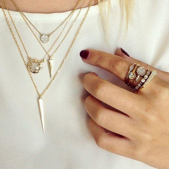 Dainty gold jewlery