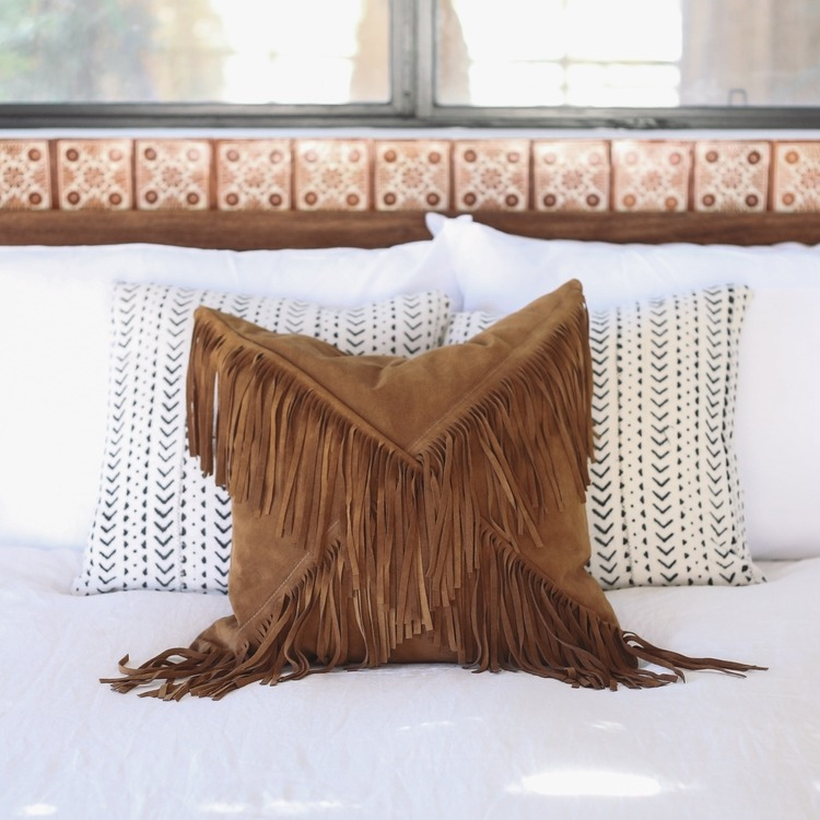 lasso abode pillow