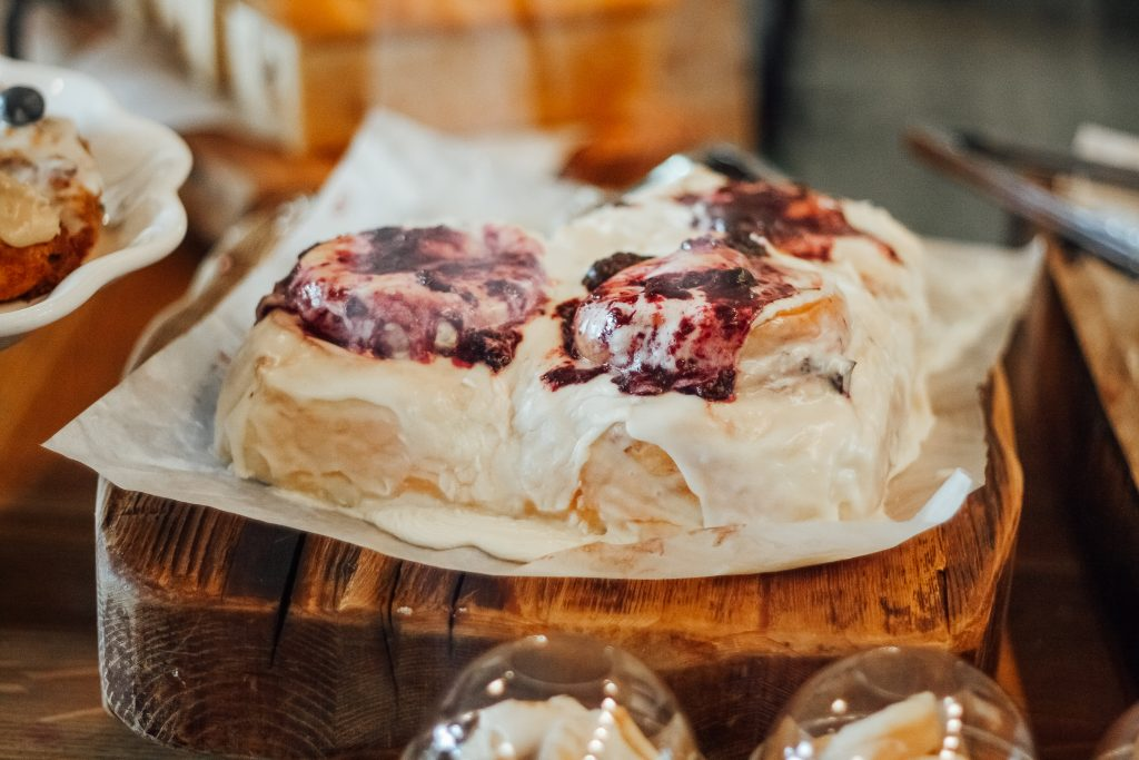Midway utah restaurants bakery on main mixed berry sweet rolls