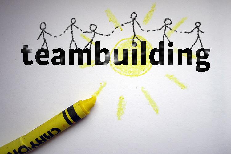 Team building by sketcnoting