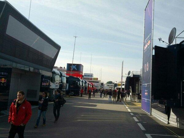 Lane through paddock much busier when cars are running