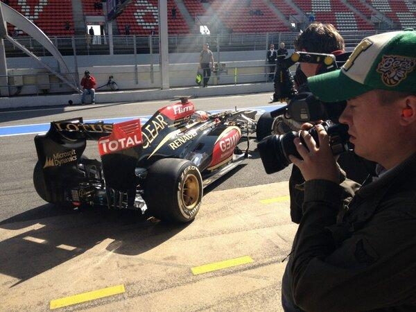 ....Kimi finally gets under way...