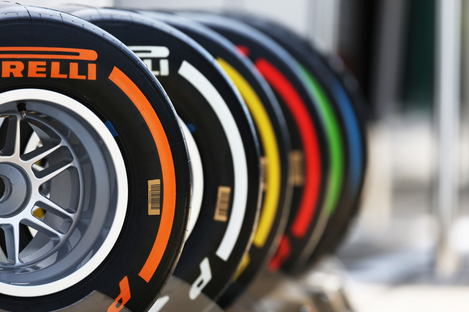 Αποτέλεσμα εικόνας για formula 1 pirelli tires