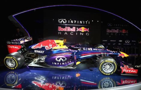 Red-Bull-Racing-RB9-Renault-F1-011