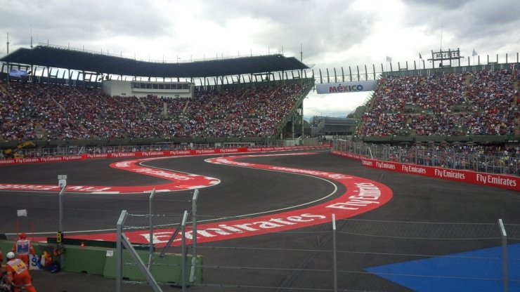 Circuit profile 2016 mexican grand prix autodromo for Puerta 2 autodromo hermanos rodriguez