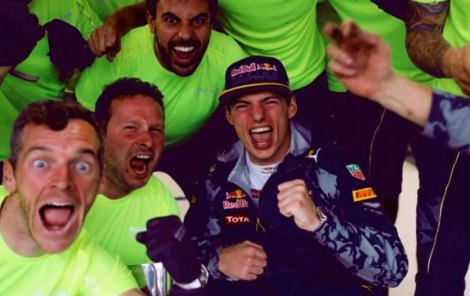 Verstappen celebrates with his team in brazil 2016 after an amazing drive in the wet for 3rd