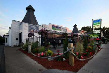 The Kasbah, Greek and Mediterranean cuisine, Greek restaurant in Niagara Falls, best places to eat in Niagara