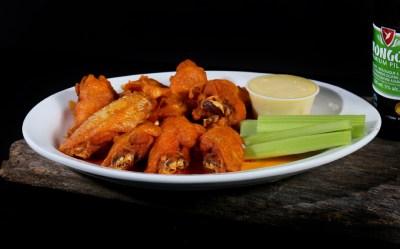 chicken wings, dinner entrees, Greek restaurant in Niagara Falls, Mediterranean restaurant in Niagara Falls