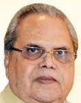 Guv hits at Rahul over his remark on Kashmir situation, offers him chopper facility for visit  to valley