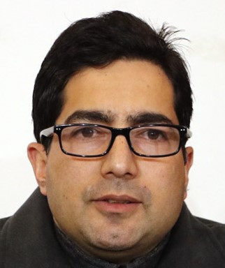 "Shah Faesal kick starts the fund raising campaign for ""clean politics, corrupt free admin"" and in J&K"