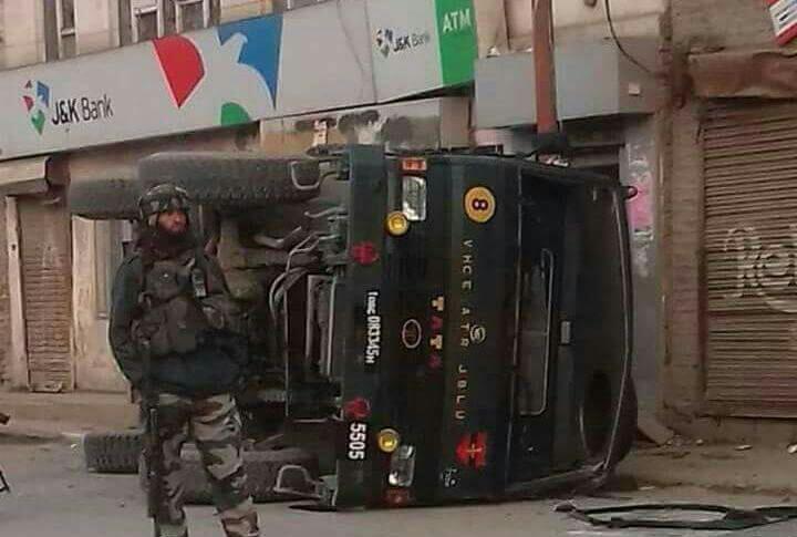 Six Army troopers injured as vehicle turns turtle in Handwara
