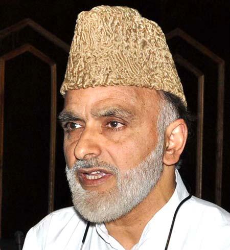 Presence of Kashmiris in J&K bureaucracy, decision making bodies at its lowest: Sagar
