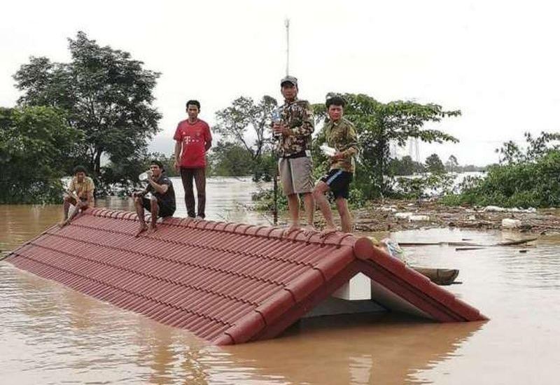 Floods in Indonesia kill dozens, thousands displaced