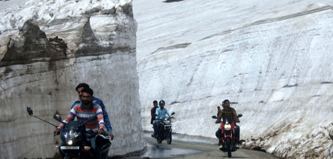 As Simthan-Kishtawar road was declared open after closure during the winters,…