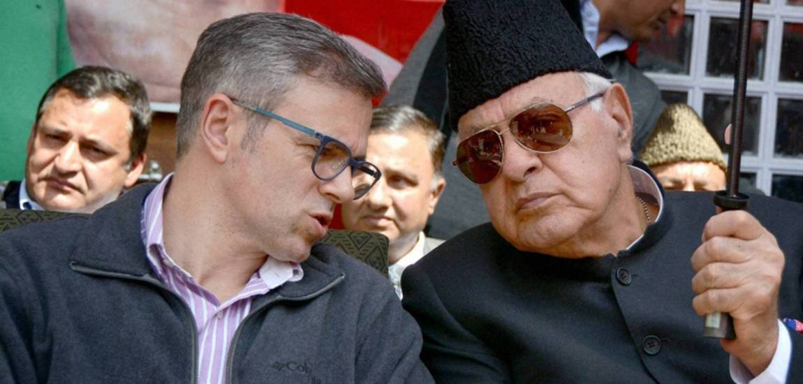 Dr Farooq, Omar felicitate 12th class CBSE pass-outs