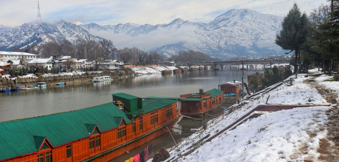 See Naples (Srinagar) And Then Die: Snow, houseboats, Jehlum…