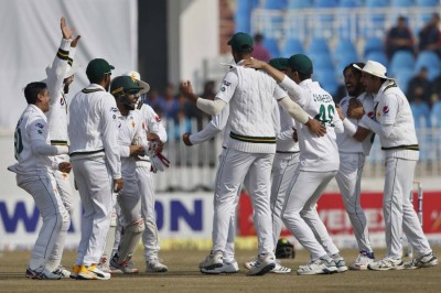 Pakistan announce Test squad for South Africa series