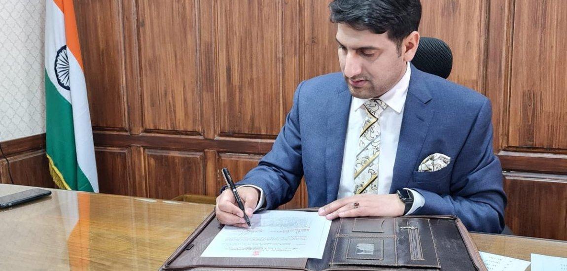 DC Srinagar rules out fresh lockdown, calls for increased testing