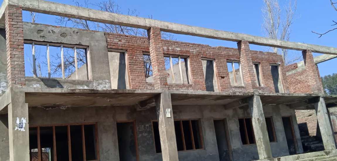 Govt Boys High School Ferozpora Tangmarg lacks space for pupils