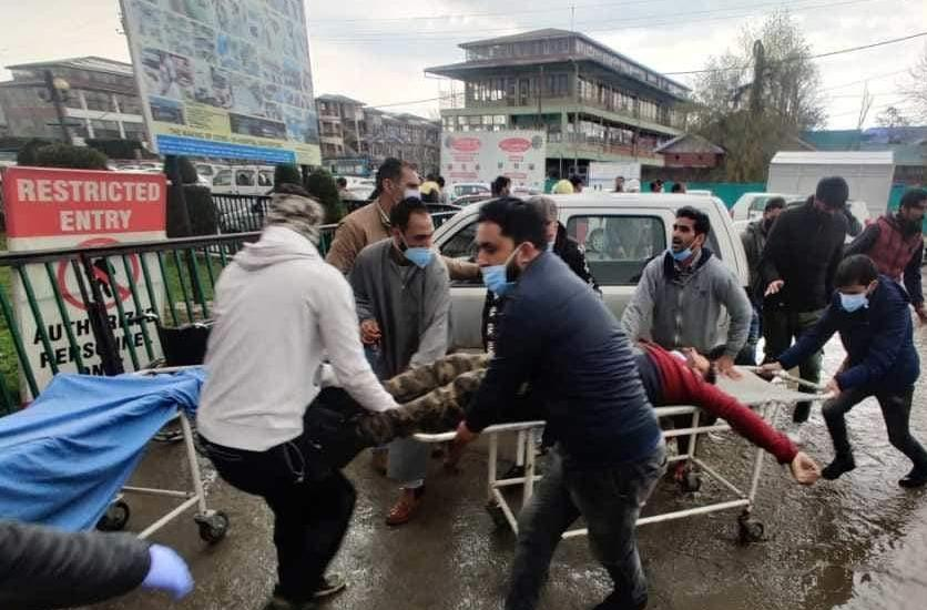 Municipal Councilor, SPO killed in Sopore militant attack, civilian injured