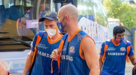 IPL departures: Aussies fly out, New Zealand contingent leaves on Friday