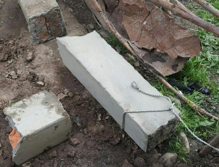 2 minor girls killed in pillar collapse in Tangmarg