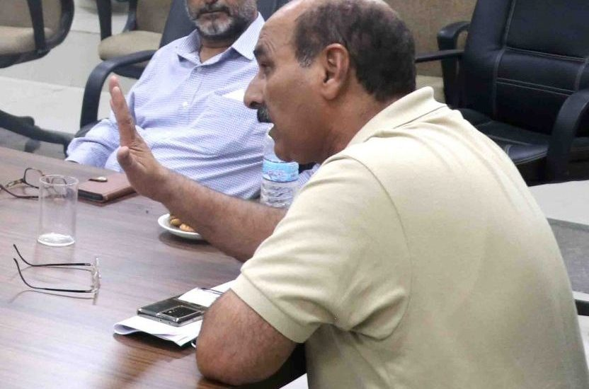 Director AP&FWD meets officers, saffron growers at IIKSTC