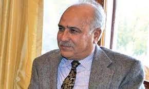 Masoodi decries obstructing movement of fruit laden trucks from Kashmir on NH-44