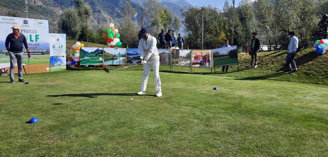 Golf tourney at Pahalgam witnesses participation of 8 envoys