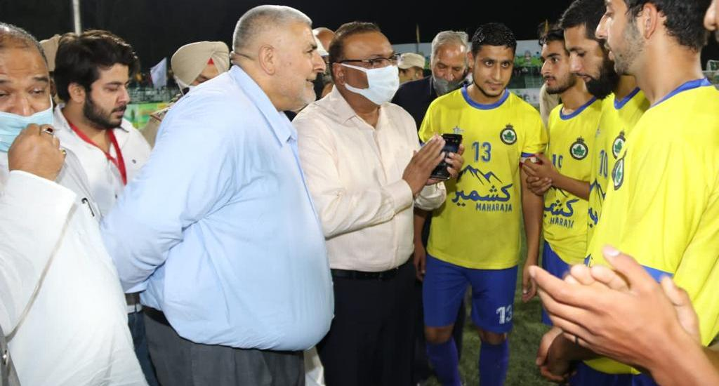J&K police contributing in a big way to promote sports activities: DGP