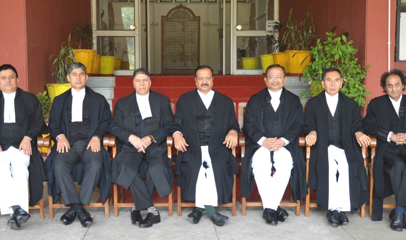 Chief Justice Sudhakar, Justice Mir accorded affectionate farewell by JK High Court at Jammu