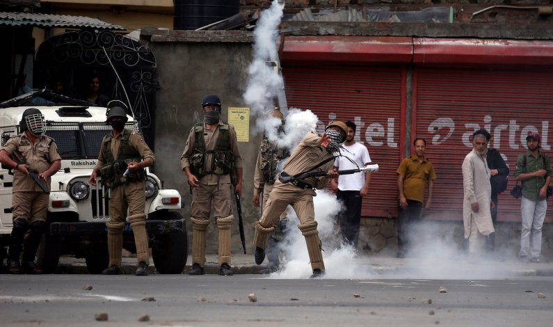Nocturnal clashes rock Budgam village; locals accuse forces of 'vandalism'