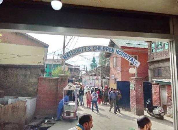 How a PDP leader first 'blocked' and later 'allowed' shifting of MCH Anantnag to favour party workers!