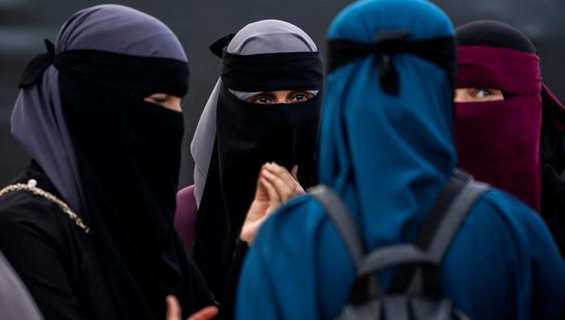 Tunisia bans Niqab in public institutions