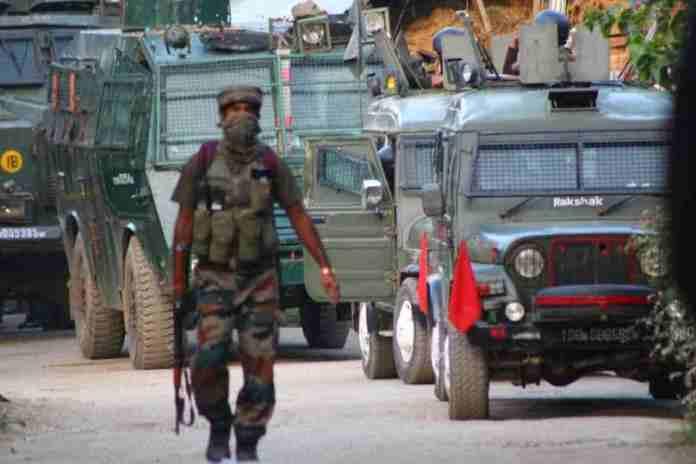 tral gunfight, pulwama, pulwama encounter,sopore gunfight, kashmir, kashmir news,