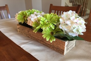 spring centerpiece, old box, spring floweres